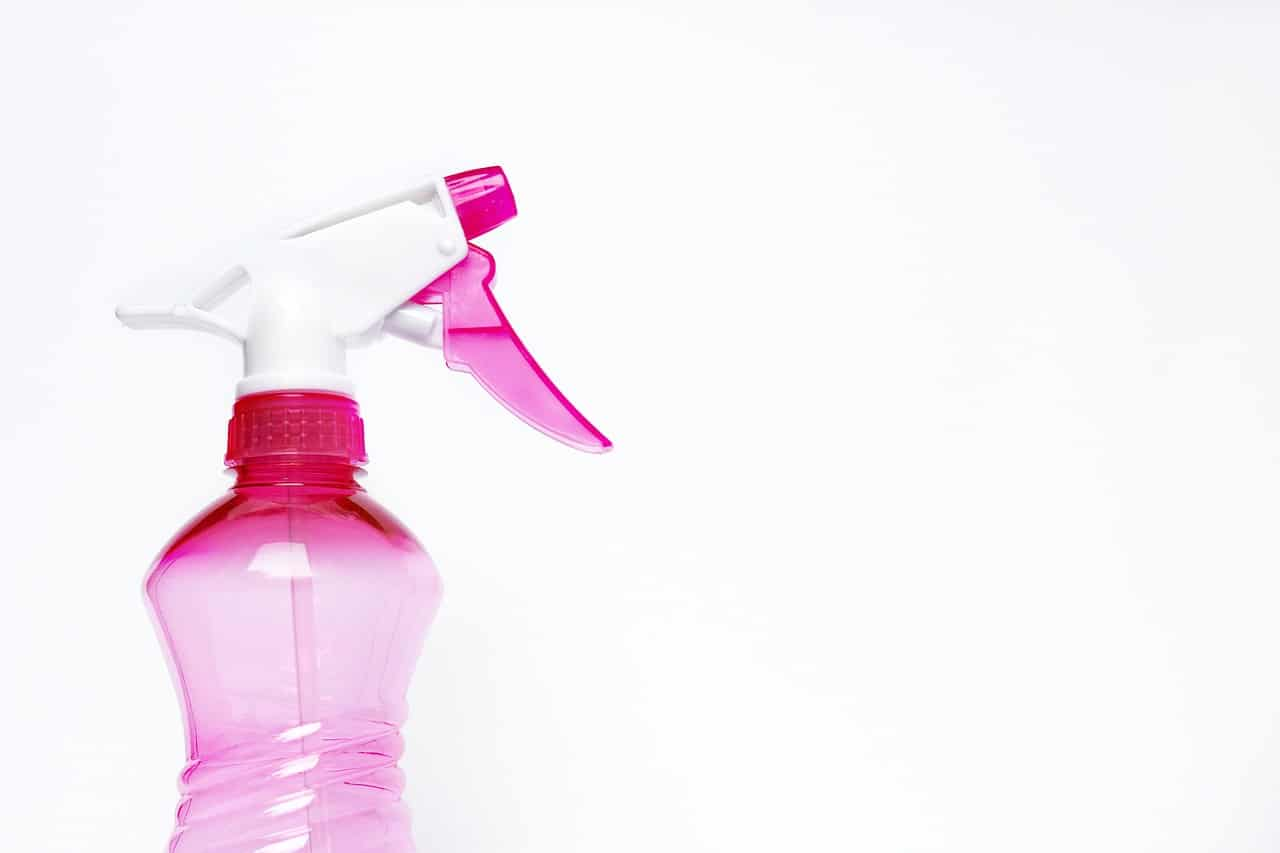 pink spray bottle for homemade cleaner to clean the bathroom