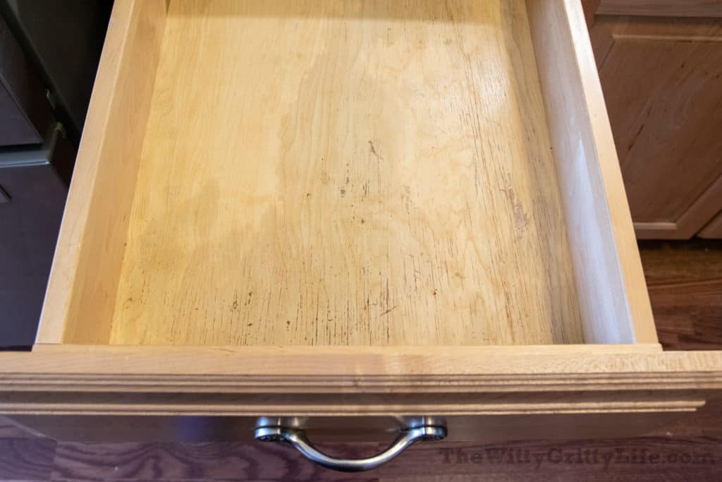 kitchen drawer without liner